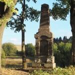 Znovuvztyčení pomníku padlým v Dlouhé