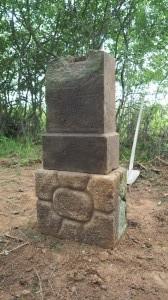 Znovuvztyčení rozvaleného Michlova kříže u Lažan 11